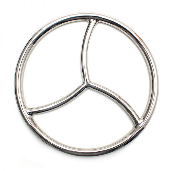 de Japanse touwknoopkunst. Deze ring wordt als centraal punt gebruikt om bondage-touwen aan vast te knopen. De Triple Shibari Ring is gemaakt van niet-magnetisch roestvrij staal en is stevig genoeg om veel gewicht aan te kunnen. De diameter van de ring is 23