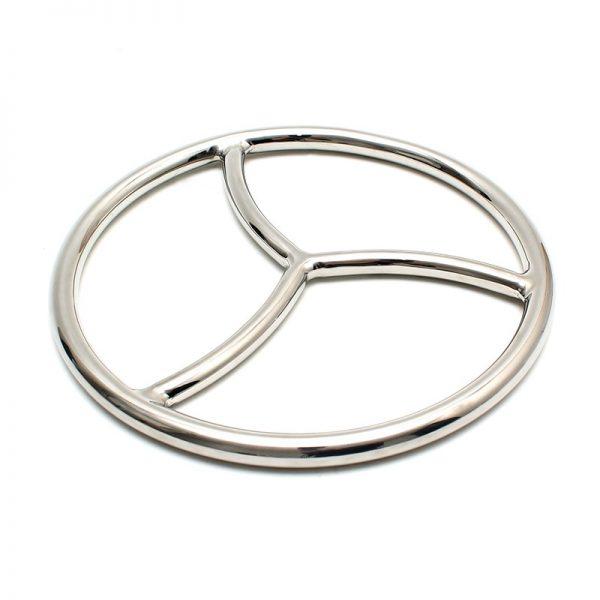 Rimba Bondage Play Shibari-ring. Deze zilverkleurige bondage ring is een accessoire dat gebruikt wordt bij Shibari